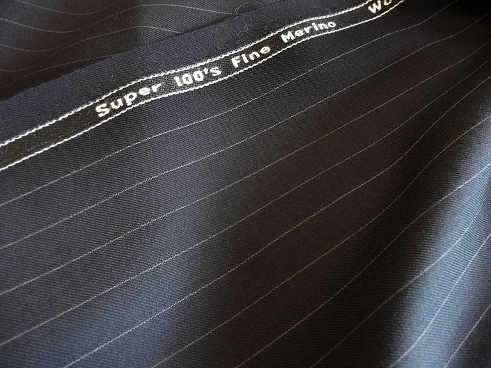 ネイビー ペンシル ストライプ 300g スーパー100's 最高級メリノウール100%